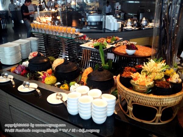 ข้าวแช่ แกรนด์ ซันเดย์ บรั้นช์ ที่ เดอะสแควร์ โรงแรมโนโวเทล กรุงเทพ เพลินจิต สุขุมวิท