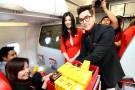 ณเดชน์ แจกกล้วยบนเครื่อง ชวนนักท่องเที่ยวบินกับ แอร์เอเชีย กรุงเทพฯ - พิษณุโลก บินสบาย หายห่วง