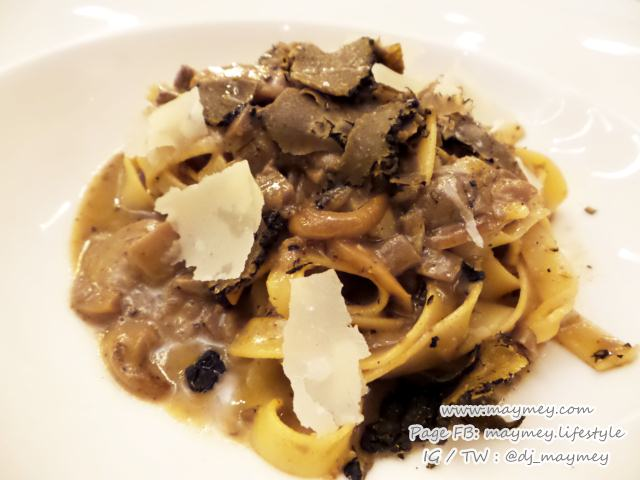 HomemadeTagliatelle, porcini black truffle sauce