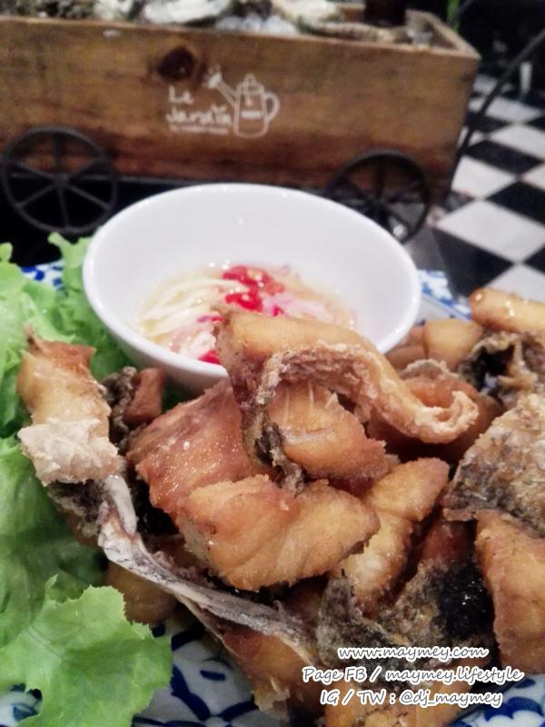 ปลากระพงทอดน้ำปลา-Laemgate Seafood