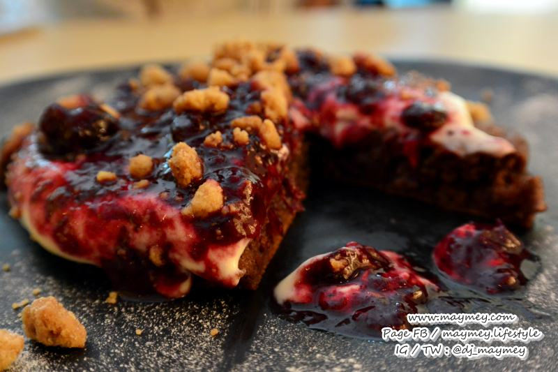 Choco Berry Pancake (240 บาท)