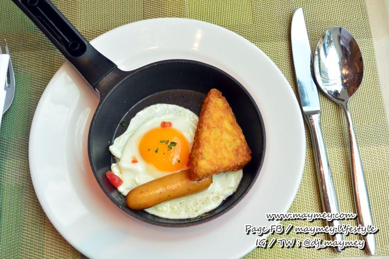 ไข่กระทะ เสิร์ฟแบบนี้ น่ากินมากค่ะ