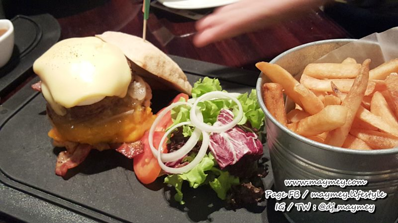 Challenger Burger