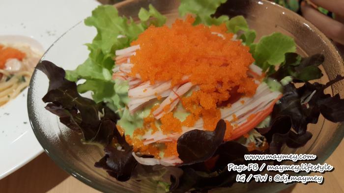 สลัดปูอัด ไข่กุ้ง ซีฟู้ด มาโย เลือกใช้น้ำสลัดวาซาบิ