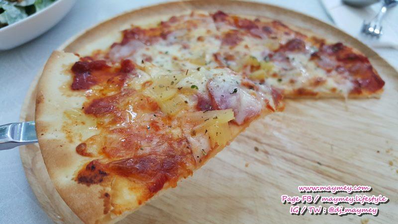 'Hawaiian Pizza' พิซซ่าฮาวายเอี้ยน