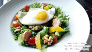 Asparagus and baby spinach tossed with dill mayonnaise lemon dressing and pecorino cheese, topped with poached egg